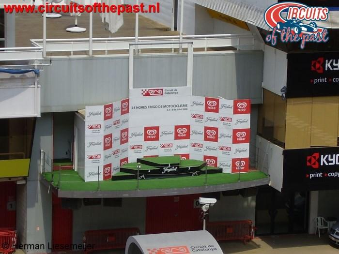 Circuit Barcelona - Het podium waar Max Verstappen zijn eerste overwinning vierde