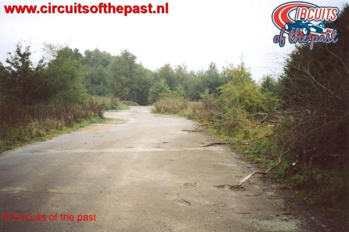 De verlaten kartbaan van Nivelles-Baulers in 2003