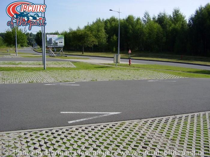 Op dit parkeerterrein lag bocht 1