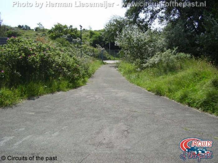 Oude Circuit Zandvoort - Overblijfsel van het oorspronkelijke circuit in bungalowpark