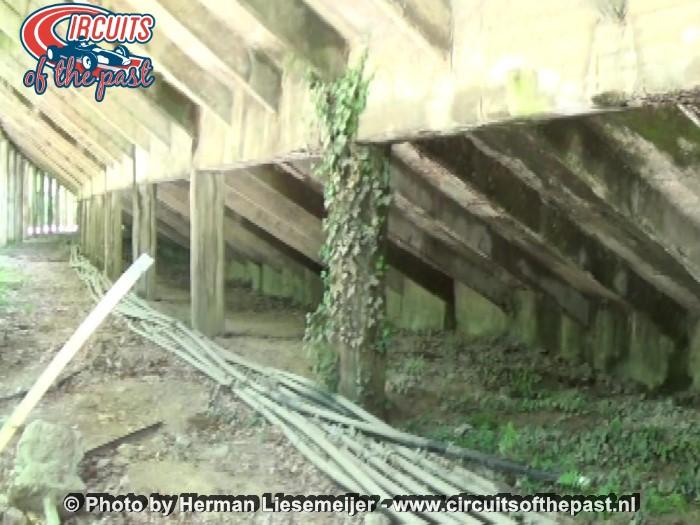 Monza - De verwaarloosde constructie van de kombaan