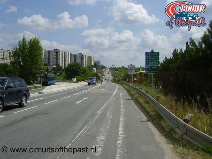 Masaryk Circuit Brno - Hier was ergens de eerste bocht naar links.