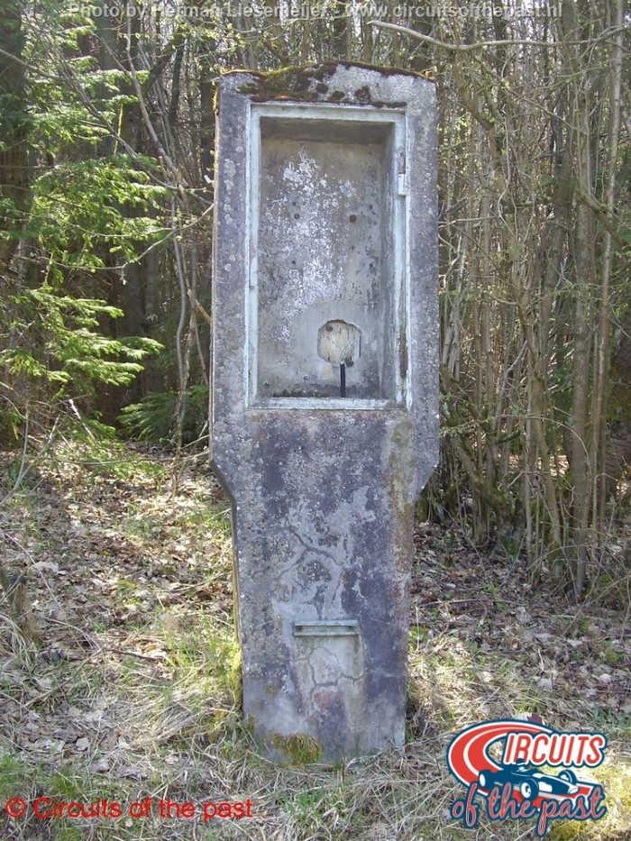 Nürburgring Südschleife - Oude telefoonpaal van baanpost