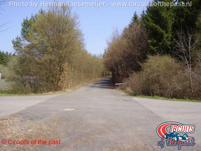 Nürburgring Südschleife - Entrance road to parking