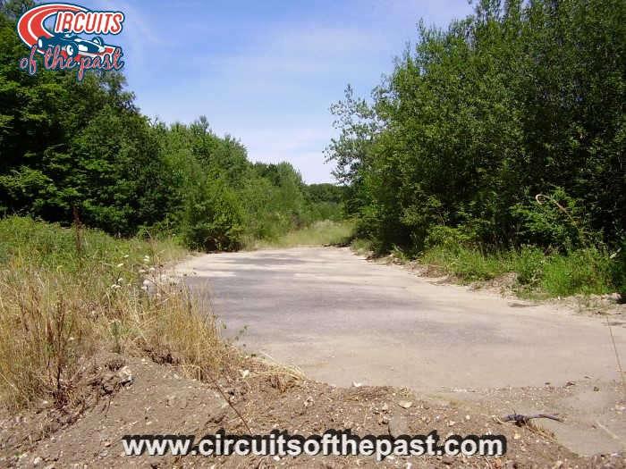 Circuit Rouen-les-Essarts - Verlaten restanten van het permanente deel van het circuit