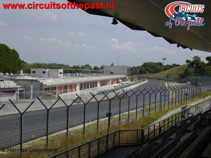Imola Circuit - Senna-tribune