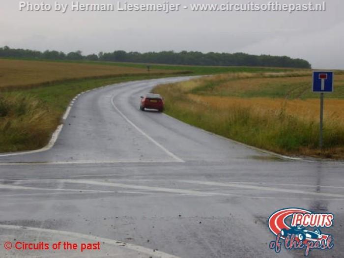 Circuit Reims-Gueux - Kruising