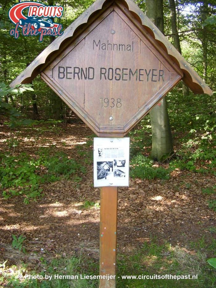 Rosemeyer Parkplatz - Memorial